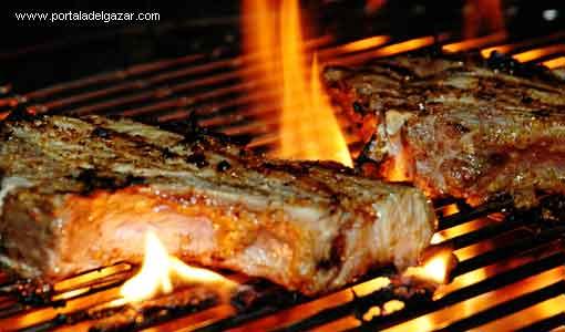 Cocinar carne a la brasa para adelgazar